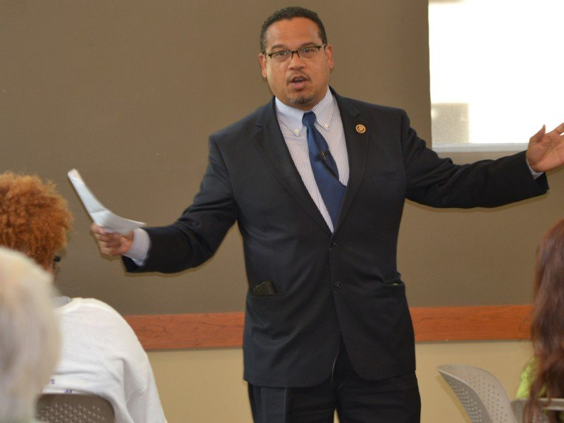 5th District Congressman Keith Ellison speaks with community members