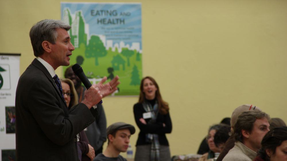 Mayor Rybak speaks at urban agriculture open house (Photo by Will Scully)