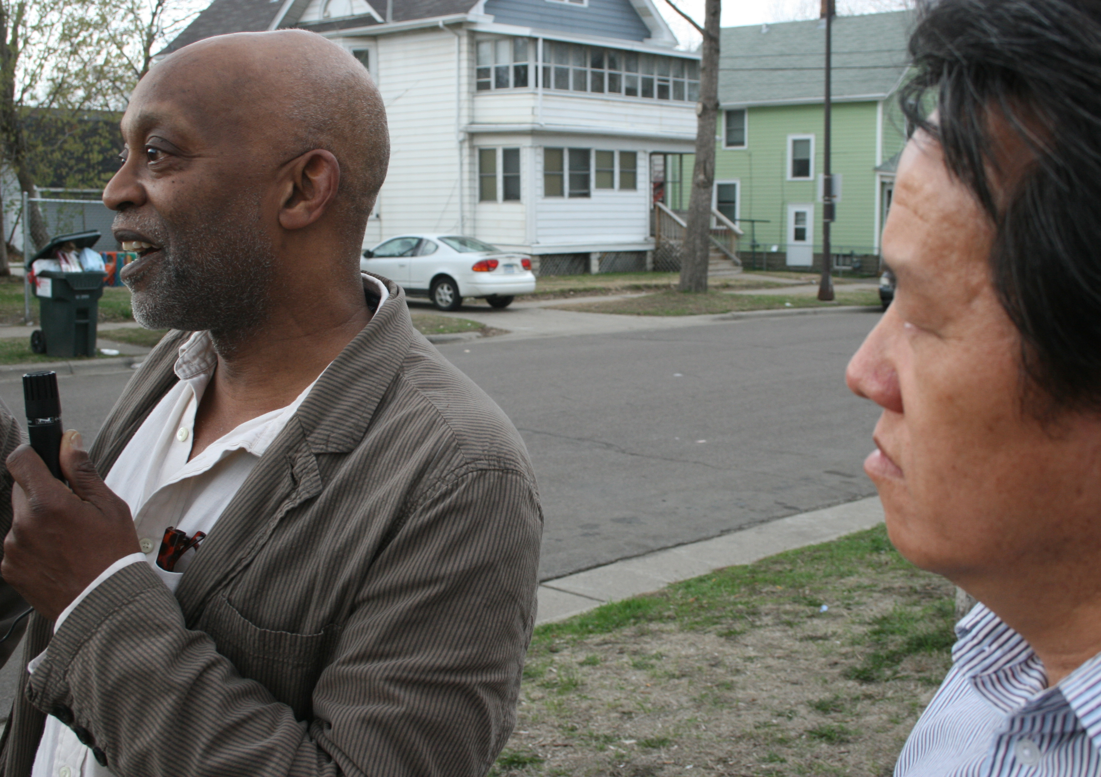 Seitu Jones and Va-Megn Thoj lead Frogtown tour