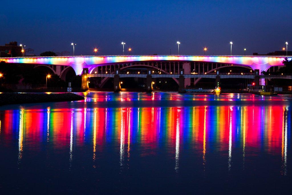 Twin bridges personals