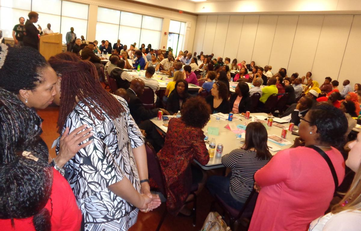 Full house at Osseo District Parents of Color Meeting (Photos by Jay Clark)