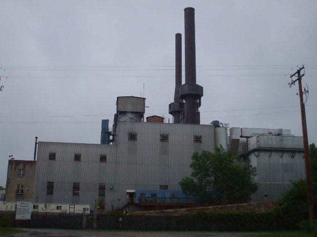This Xcel energy facility, built in the 1940s to burn coal, now burns garbage from Ramsey County. It's permit expired in 2009