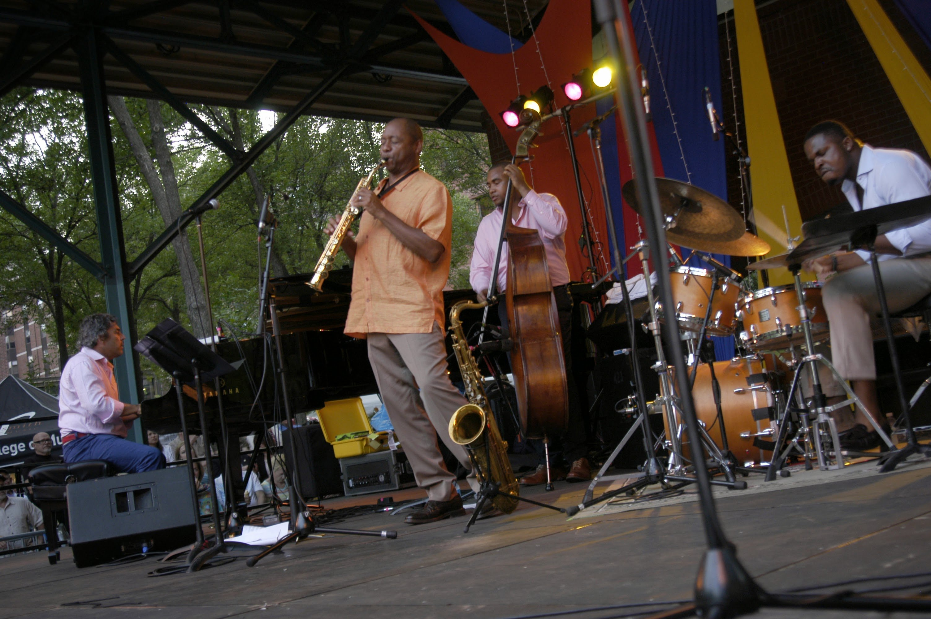 marsalis-with-band-at-tcjf