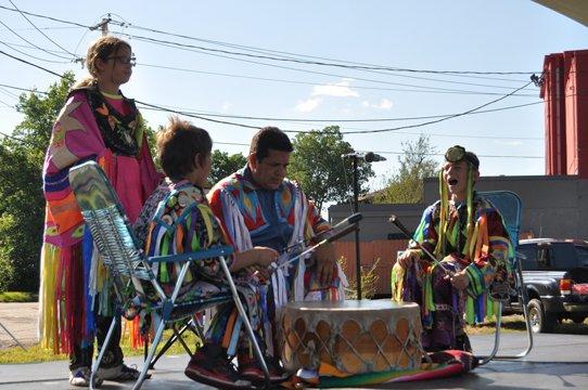 (Photo by Emily Jarrett Hughes, Wisdom Dances, www.wisdomdances.com)