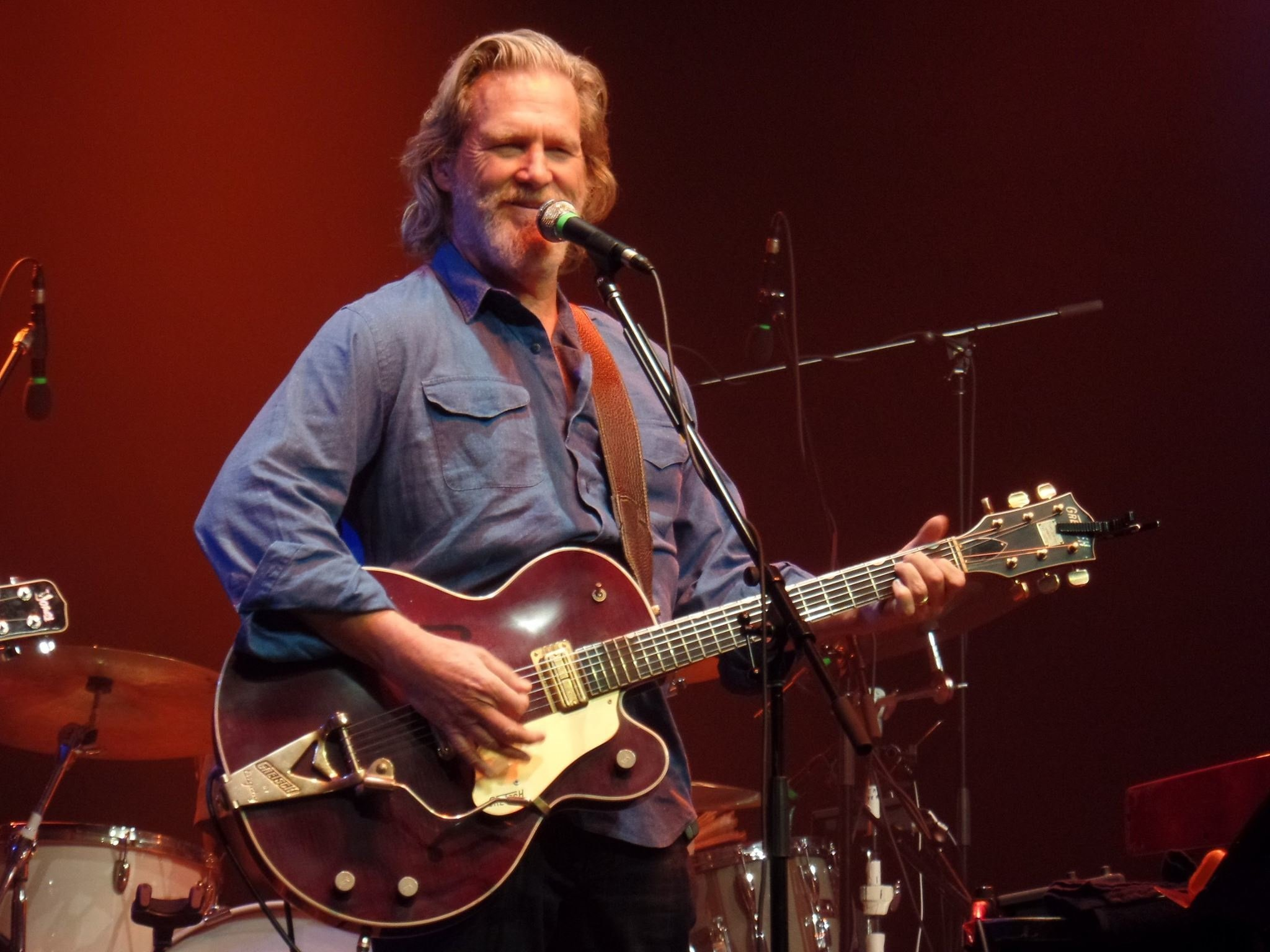Photo courtesy Jeff Bridges (from another live performance).