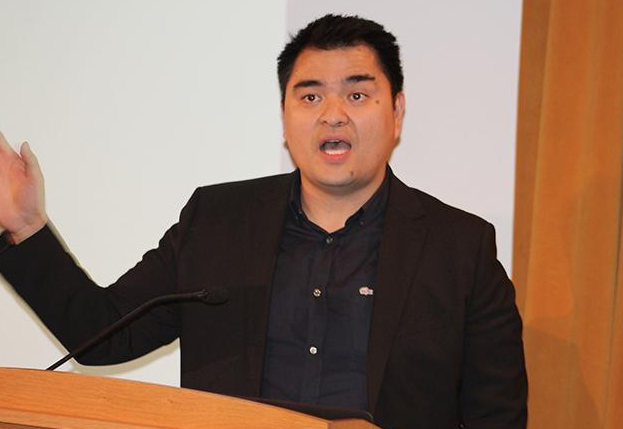 Pulitzer Prize-winning journalist Jose Antonio Vargas spoke about undocumented immigrants at the University of Minnesota.
