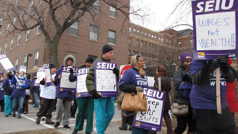 Nearly 1,000 members and supporters of SEIU Healthcare Minnesota members picketed at Abbott Northwestern Hospital.