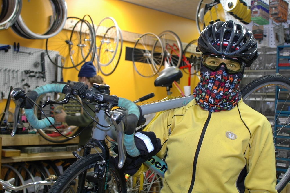 Year-round bike communter Lee Penn is ready for winter. Photos by Karen Hollish.