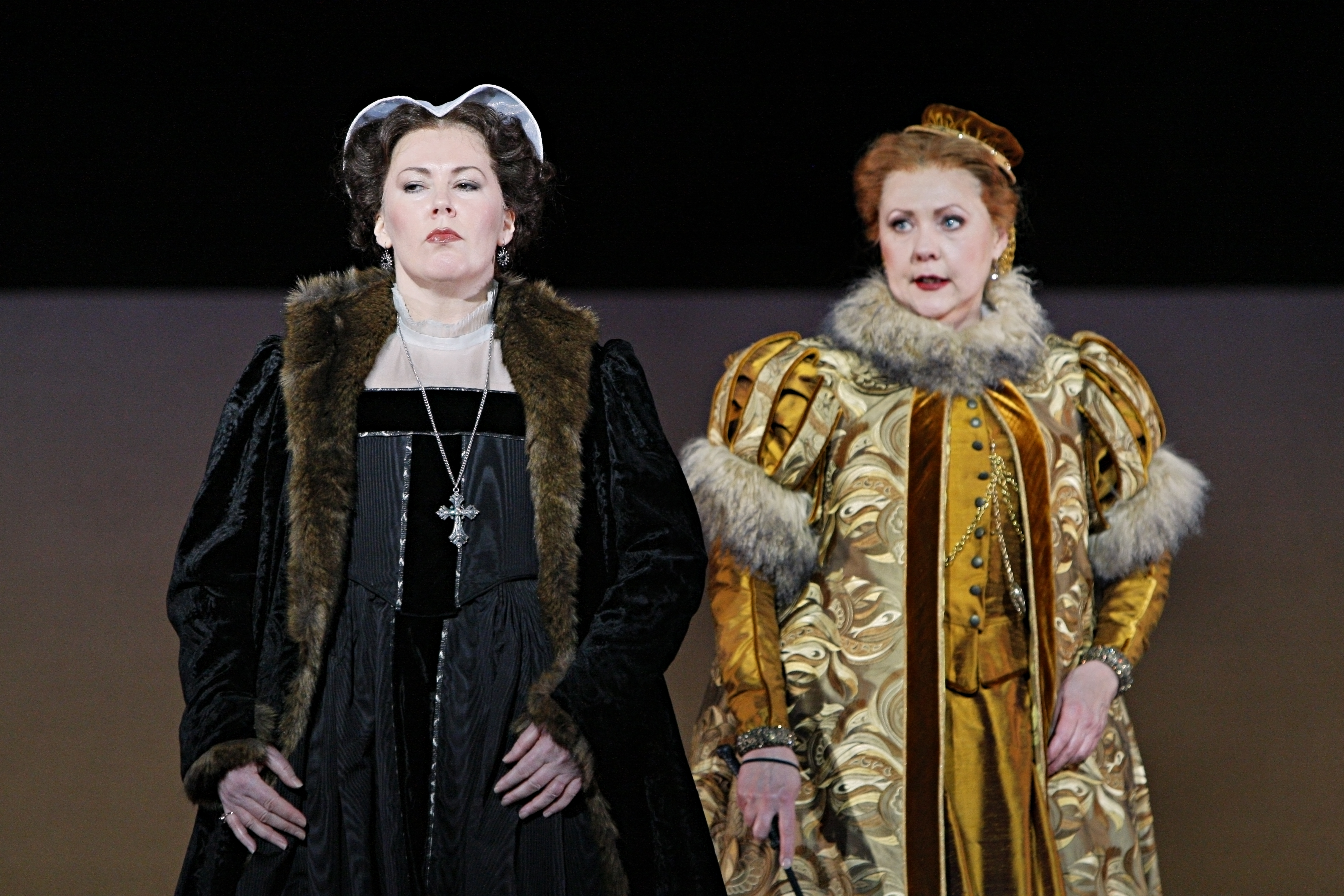 Judith Howarth and Brenda Harris in Mary Stuart. Photo by Michal Daniel, courtesy Minnesota Opera.
