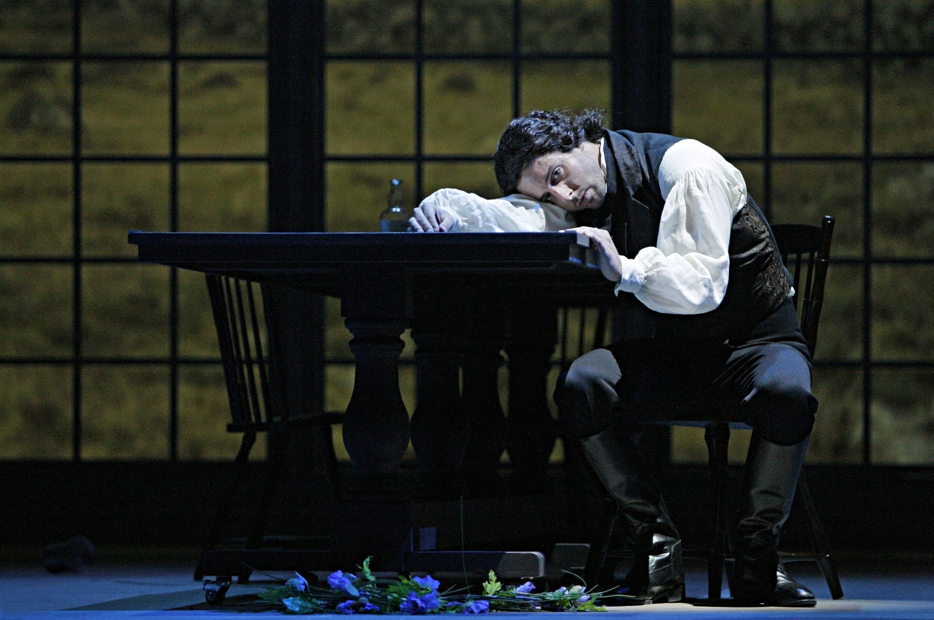 Time flies when you're having fun: Lee Poulis in Wuthering Heights. Photo by Michal Daniel, courtesy Minnesota Opera.