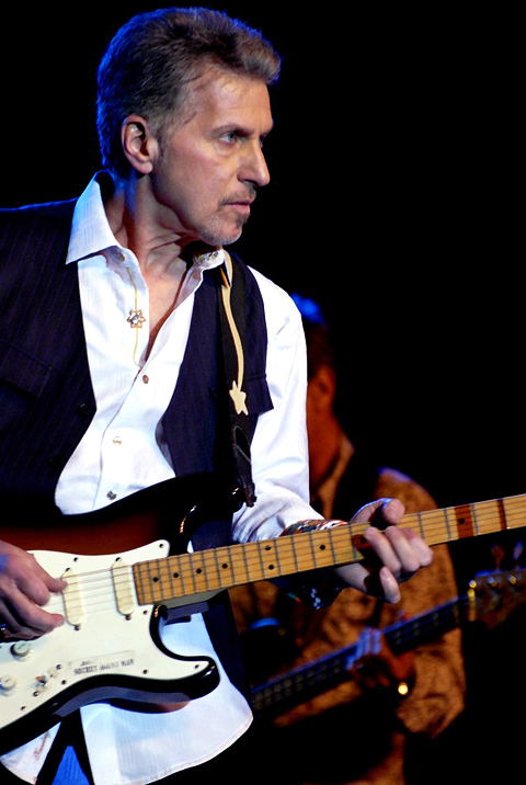 MUSIC | Johnny Rivers plays golden oldies at Treasure ...